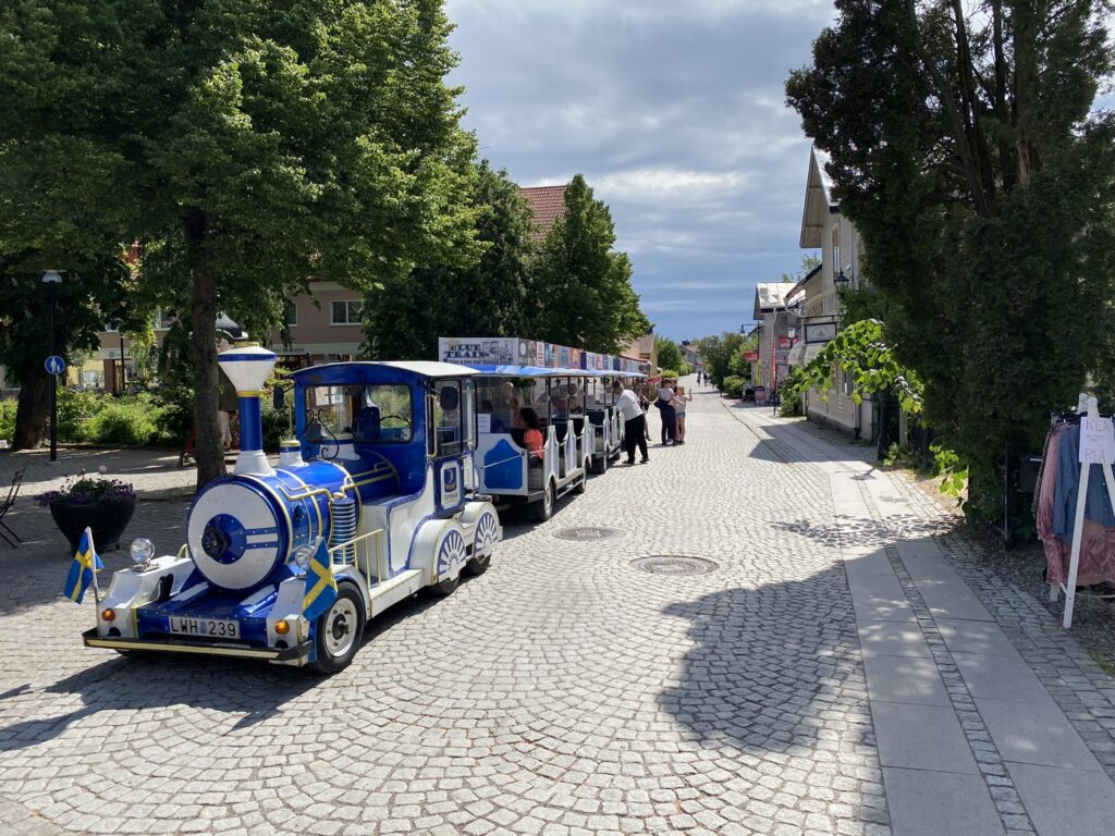 The Blue train at the square.